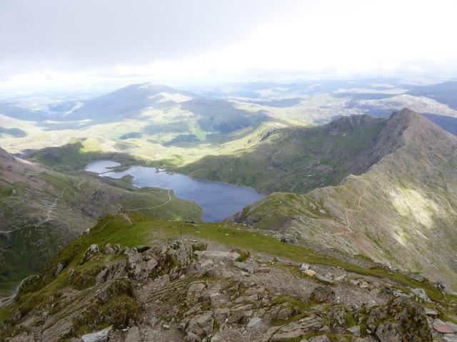 Looking east towards Y Lliwedd from just below the summit of Snowdon