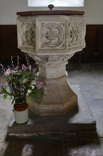 Little Barrington, St. Peter's Church: The font 1
