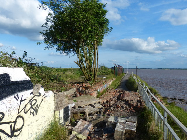 Collapsed wall on the Trans Pennine Trail