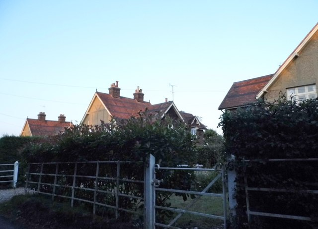 Beesonend Cottages