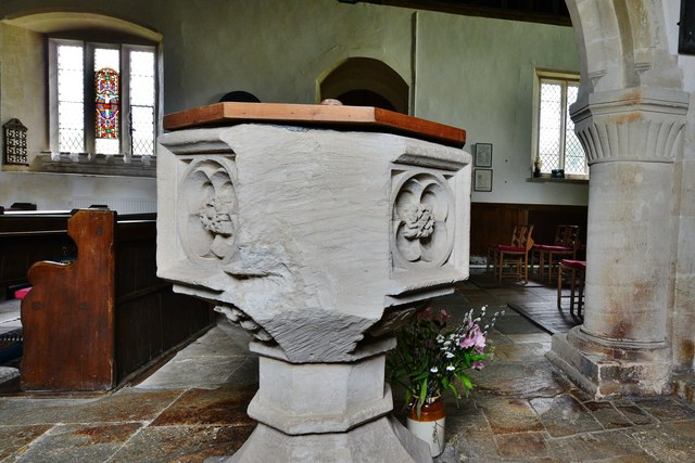 Little Barrington, St. Peter's Church: The font 3