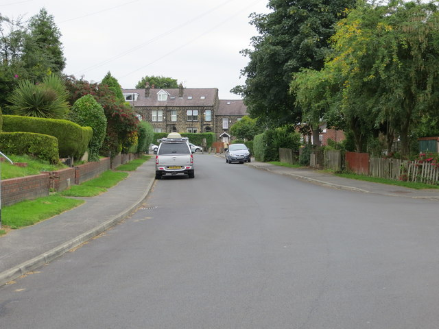 King Edward Avenue in Horsforth looking towards its junction with Broadgate Lane