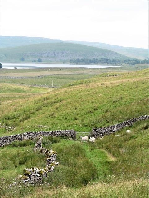 Bridleway towards Malham Tarn