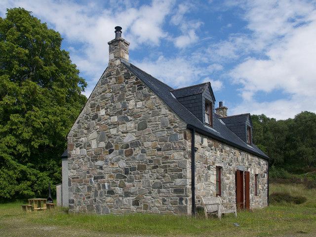 Cottage above Loch a' Chlarain