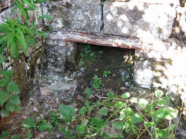 Skears lime kilns - draw hole of kiln 4