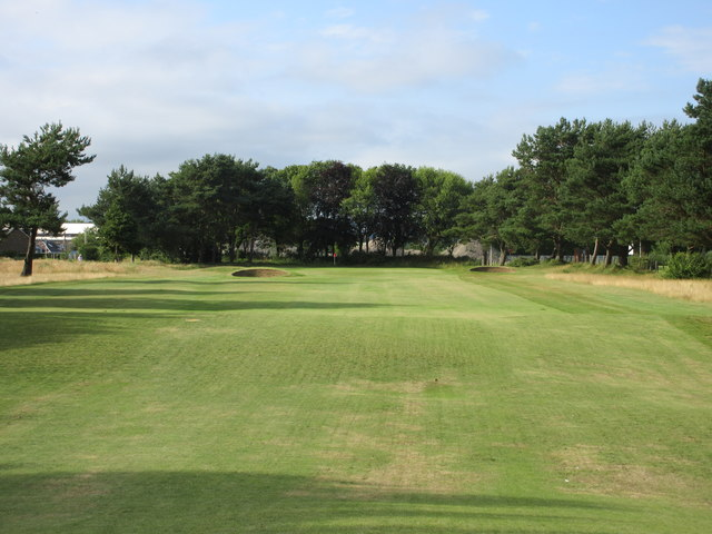 Scotscraig Golf Course, 16th hole, Railway