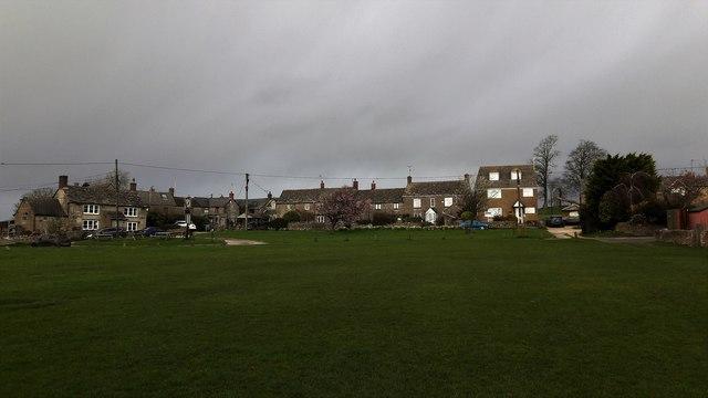 Leafield Green