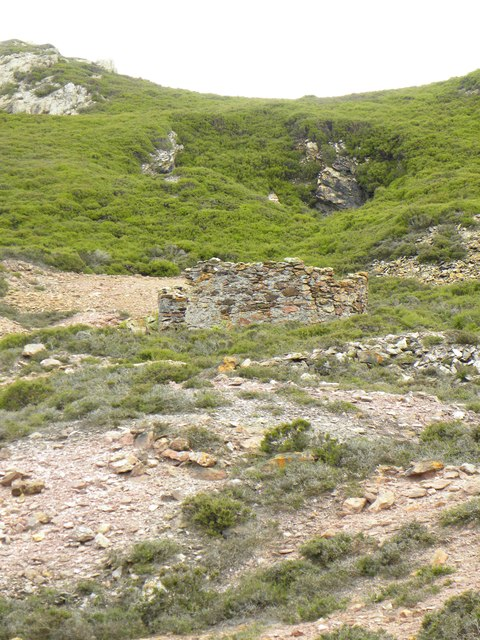Remains of old kilns at Mona Mine