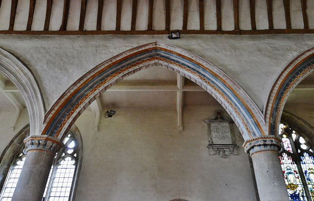 Purton, St. Mary's Church: c13th round columns and capitals in the nave