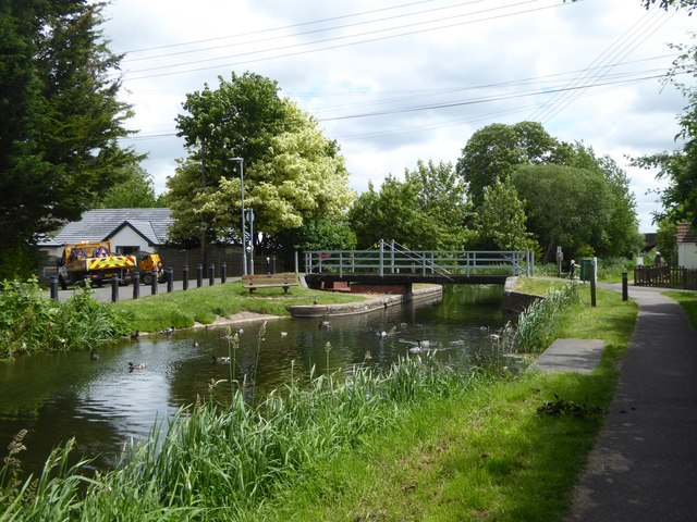 The swing bridge over Bridgwater and Taunton Canal at Bathpool