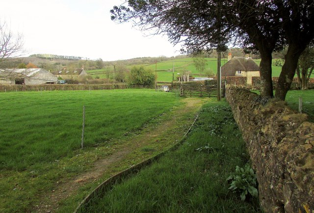 Path from the church, North Poorton