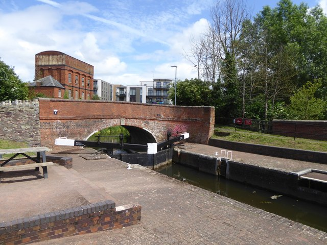 Lock on Bridgwater and Taunton Canal at Firepool