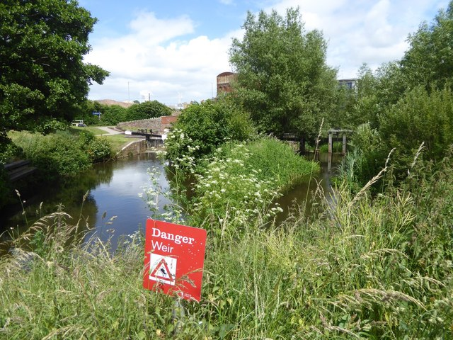 Warning on Bridgwater and Taunton Canal