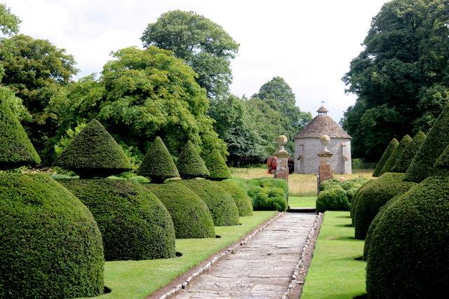 Topiary, Lytes Cary