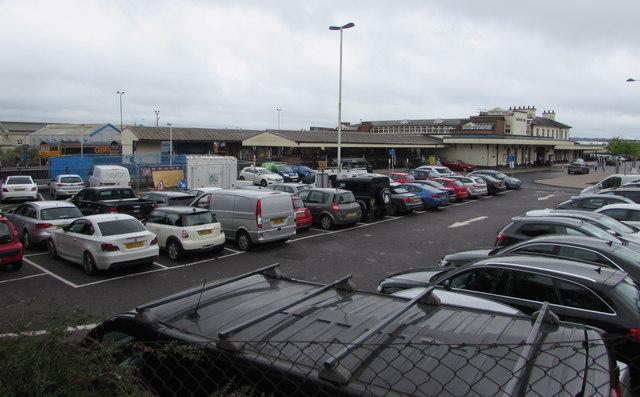 Eastleigh railway station car park