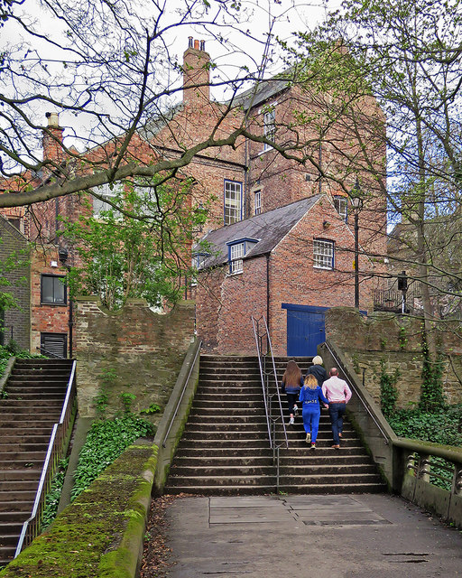 Durham: up the steps to Bow Lane