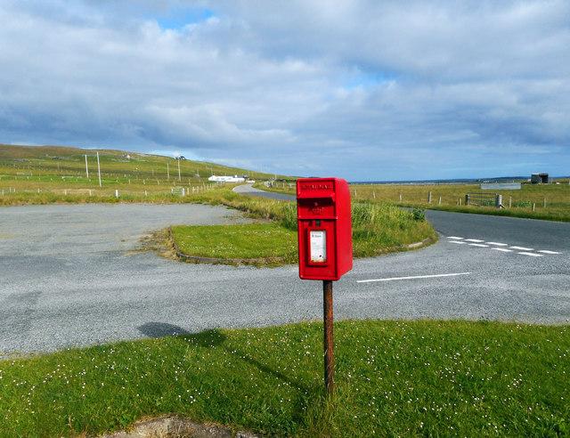 Postbox at Hamnavoe