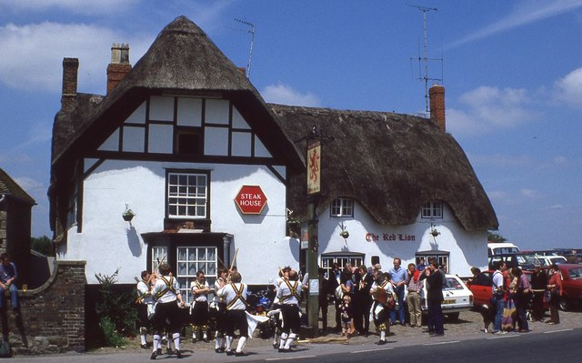 Morris men and the Red Lion, Avebury