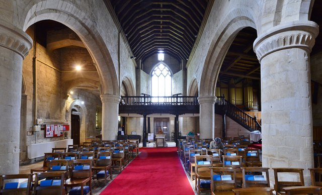Bishops Cleeve, St. Michael and All Angels Church: Nave looking west with c17th Jacobean oak gallery