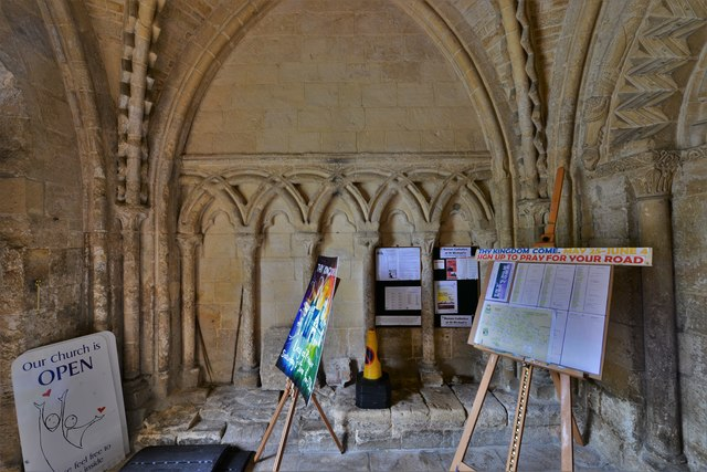 Bishops Cleeve, St. Michael and All Angels Church: Blind arcading in the south porch