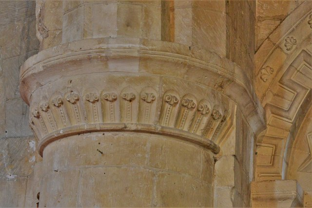 Bishops Cleeve, St. Michael and All Angels Church: Modestly carved foliage design, south aisle capital