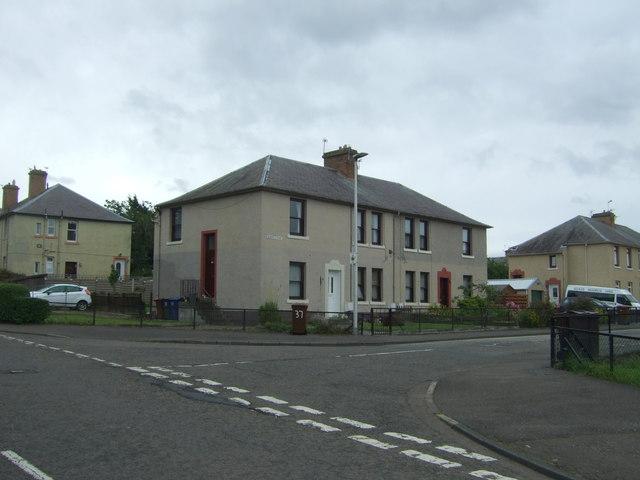 Houses on Mansfield Avenue, Newtongrange