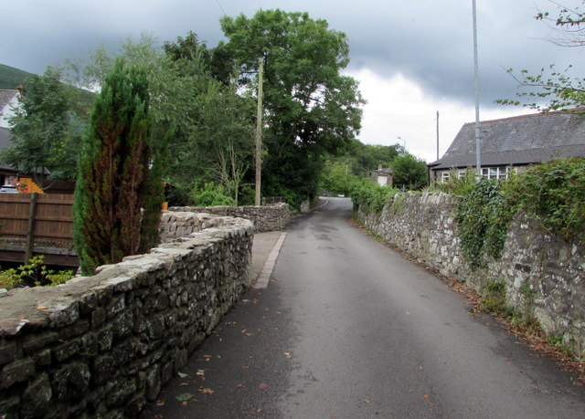 Stone walls, Mill Lane, Govilon