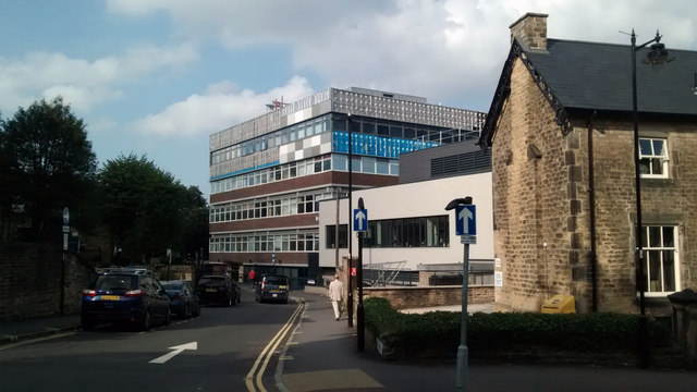 Cladding removal from Sheffield Children's Hospital