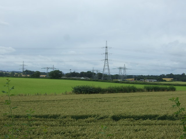 Fields and power lines near Ormiston Mains