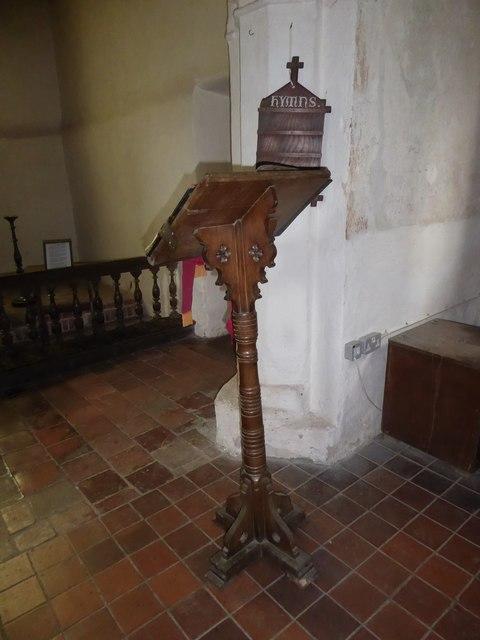 St Thomas à Becket, Capel: lectern