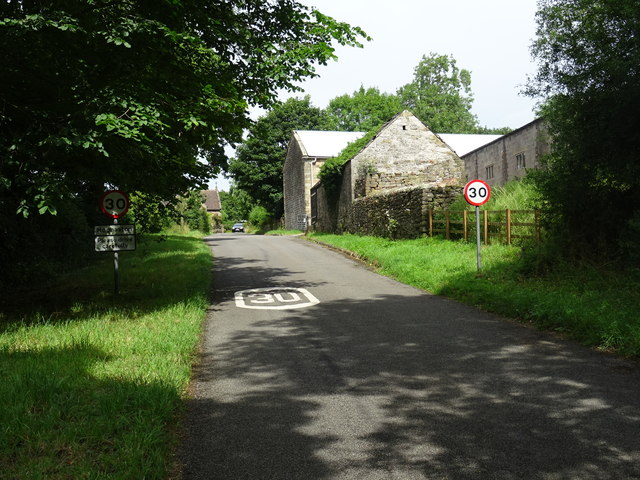 Entering Hognaston from the south
