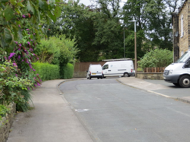 Swincliffe Close joining Bradford road (A651) at Swincliffe