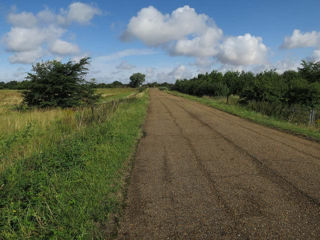Access road to Fen Drayton Lakes RSPB reserve