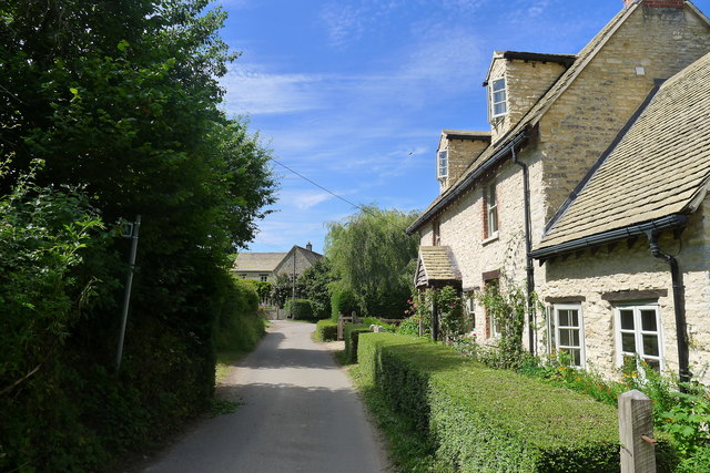 Kilcott Road through Lower Kilcott