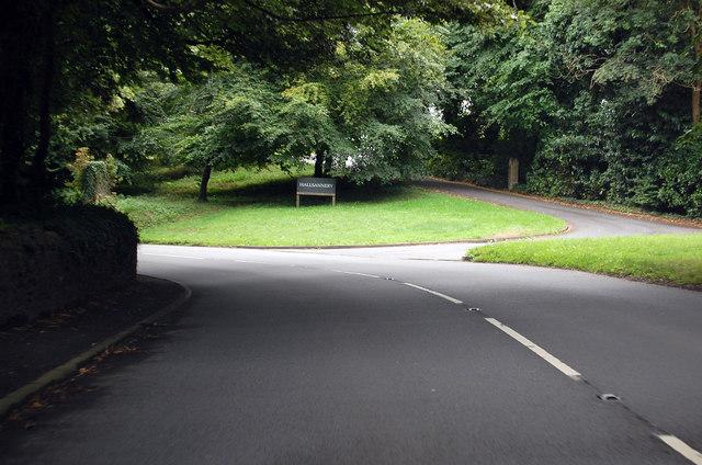 A386 - Entrance to Hallsannery House