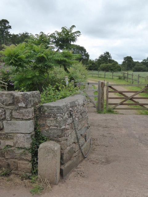 Footpath to Crediton