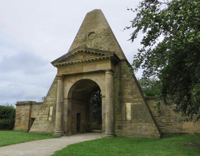Obelisk Lodge, Nostell Park