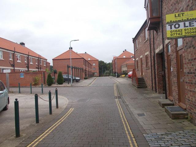 Atlas Wynd - High Street