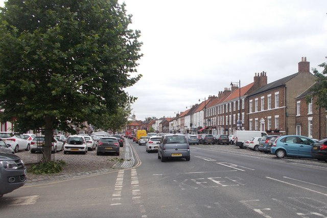 Looking up the High Street