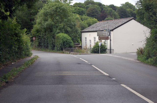 Junction on the A386
