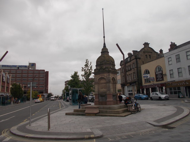 Water Fountain - High Street