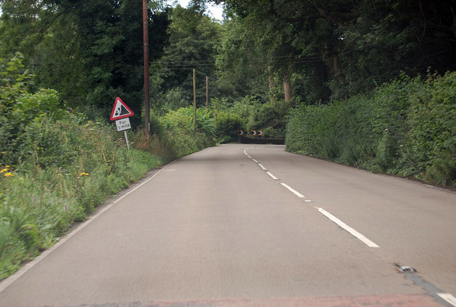 A386 bend ahead