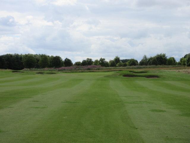 Elmwood Golf Course, 5th hole, Trackside
