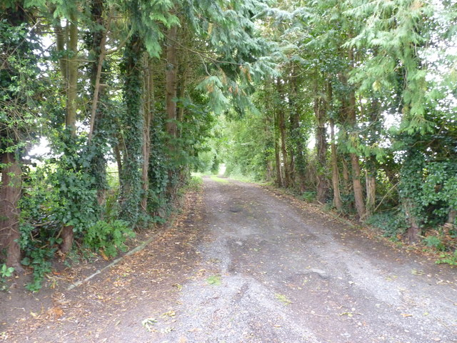Drive to a house in Himbleton