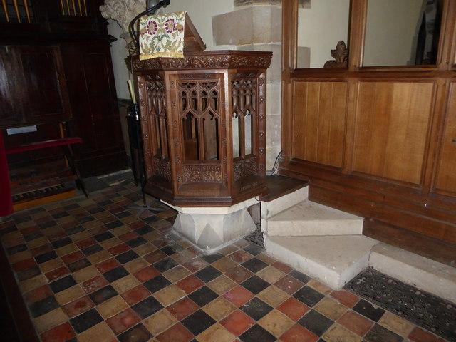 St Giles, Dallington: pulpit