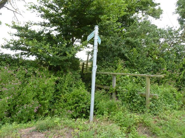 Footpath sign and footbridge, Grafton Flyford