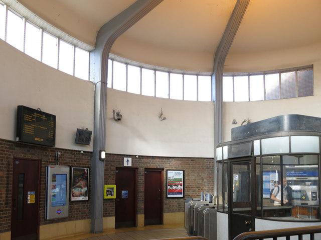 Park Royal tube station, Western Avenue, W5 - interior