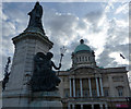 TA0928 : Hull City Hall and Queen Victoria Statue by Mat Fascione