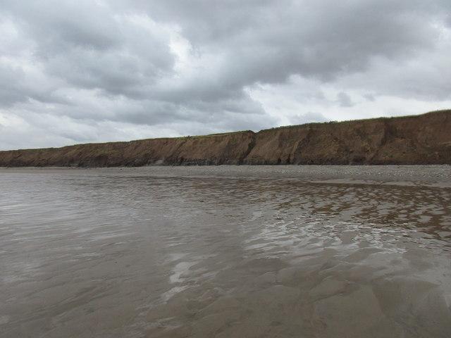 The beach and Garton Gap
