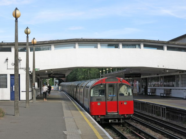 Sudbury Town tube station - platforms and footbridge